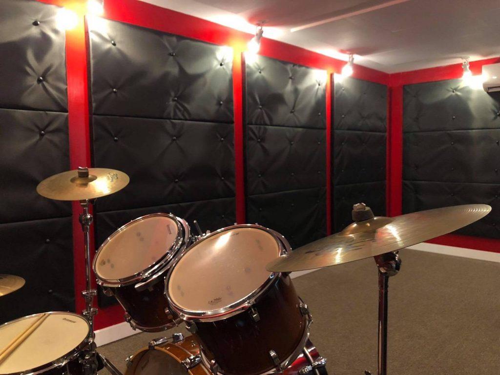 ทำห้องซ้อมดนตรียังไงดี ให้ไม่มีปัญหาเสียงก้องเสียงสะท้อน